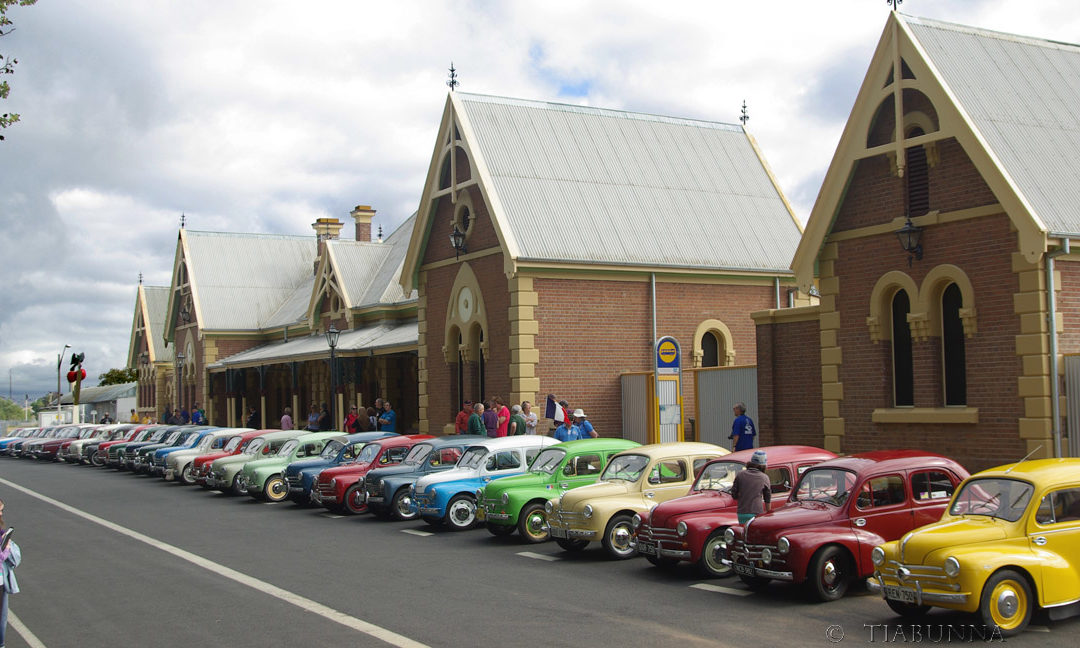 Members came from all across Australia to attend the 2009 Muster in Young, where we toured some interesting countryside, took many photos, and generally enjoyed ourselves